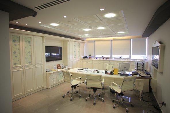 בניין משרדים K Towers 8