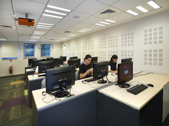 מרכז מידע ספרייתי 8